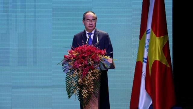 Ông Nguyễn Thiện Nhân phát biểu tại hội nghị.