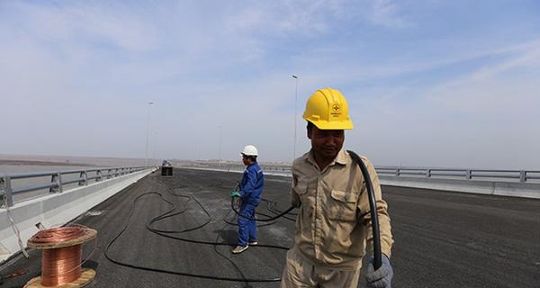 Hình ảnh cầu vượt biển nối Hải Phòng - Cát Hải chuẩn bị đưa vào sử dụng