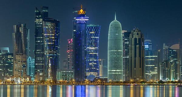 Nằm sát nhau, nhưng hai quốc gia Vùng Vịnh Qatar và UAE khác biệt như thế nào?