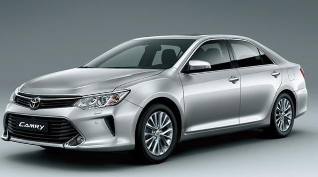 Toyota Camry có mức giảm giá khá mạnh.