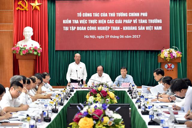 Ông Lê Minh Chuẩn, Chủ tịch HĐTV TKV phát biểu tại buổi kiểm tra. - Ảnh: VGP/Nhật Bắc