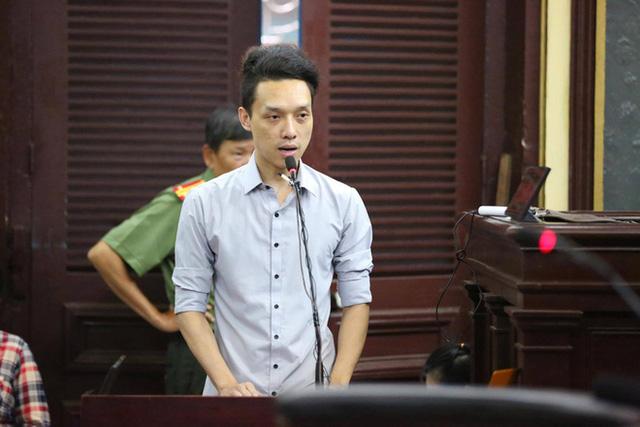 Nhân chứng Lữ Minh Nghĩa khai trước tòa về nguồn gốc bức thư viết trên nylon