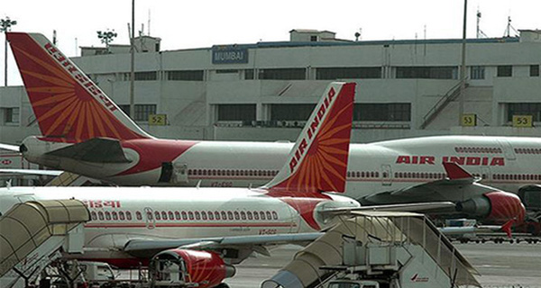 """Ấn Độ đặt mua hơn 1.000 máy bay và nguy cơ """"vỡ trận"""" sân bay"""