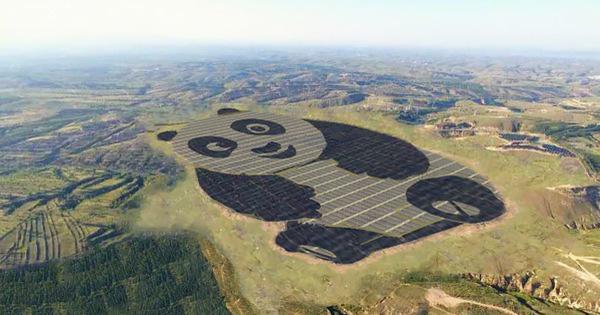 Trung Quốc xây trang trại điện mặt trời hình núi trúc khổng lồ