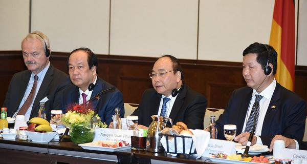 Thủ tướng nhấn mạnh vai trò tiết kiệm điện: Cứ tăng trưởng 1% GDP phải tăng đến 2% năng lượng điện tiêu thụ